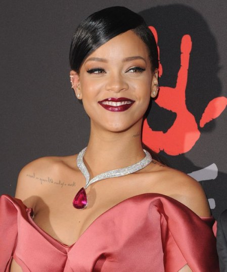 rihanna-beauty-2-diamond-ball-gty-1